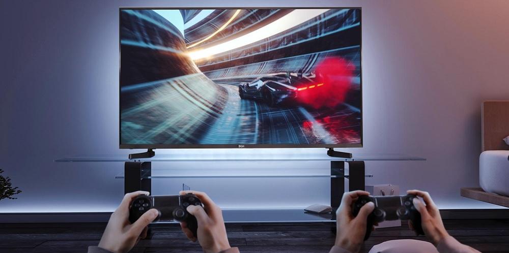 Imagen De Pareja Jugando PS Con Smart TV