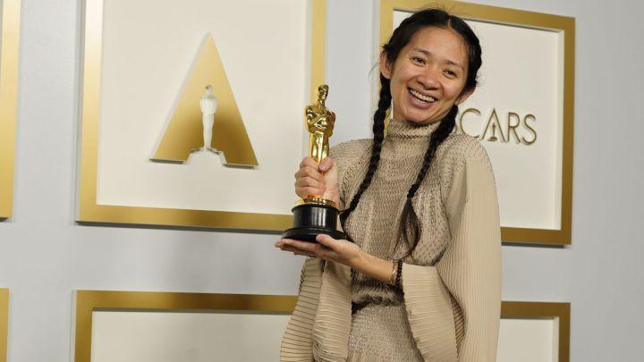 Chloé Zhao Ganadora De Los Premios Oscar 2021